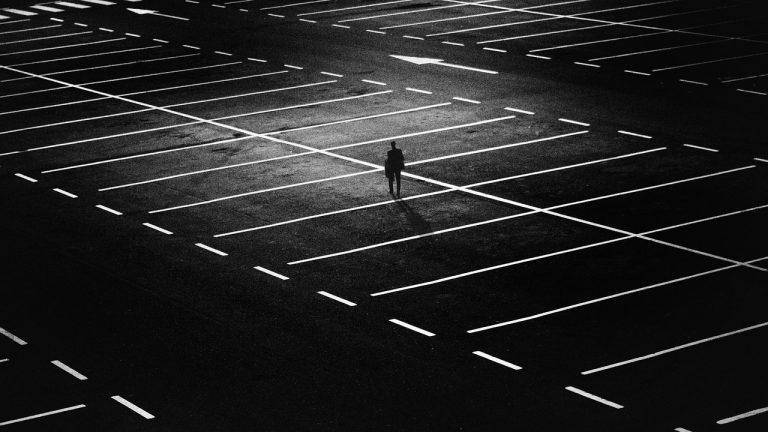 Parkingi przy lotniskach